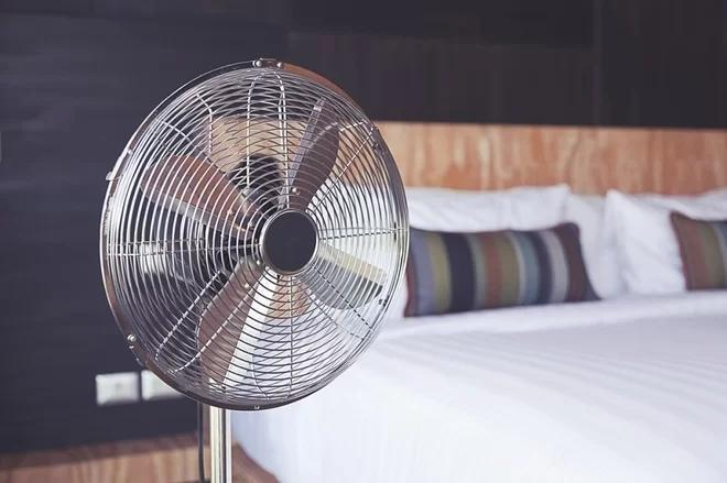 开风扇睡觉,过敏还落枕?说开空调的也注意啦