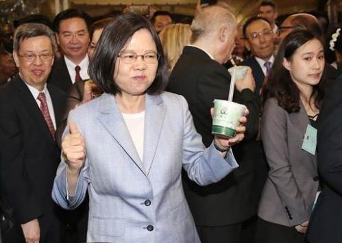 蔡英文称台湾经济增长率赢过韩国 被岛内狂讽