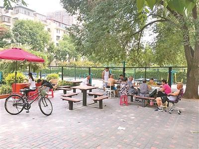 社区小花园该设多少座椅?