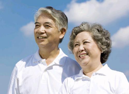 河南全面展开城乡老年人生活状况监测调查,入户访谈现场填写问卷