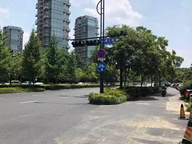 """杭州一小区30多辆私家车""""破相""""!保时捷、别克…都中招"""