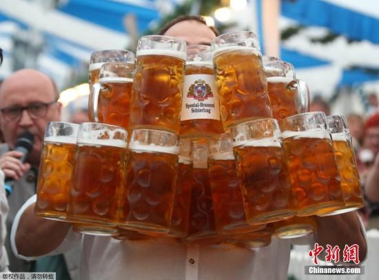科学家:少量饮用啤酒可减少患心血管疾病的风险