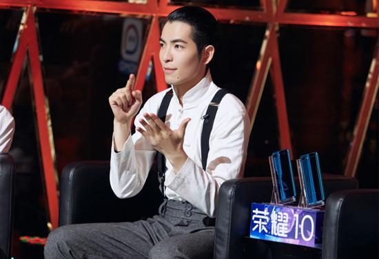 """萧敬腾化身迷弟   直呼""""王菲姐姐我爱你"""""""