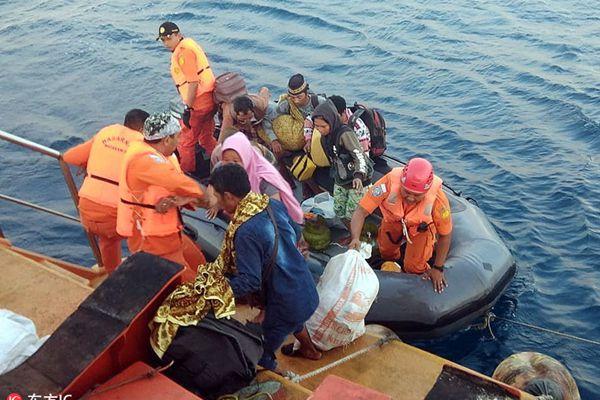 印尼龙目岛震后:军队奔赴现场搜救队撤离岛上居民