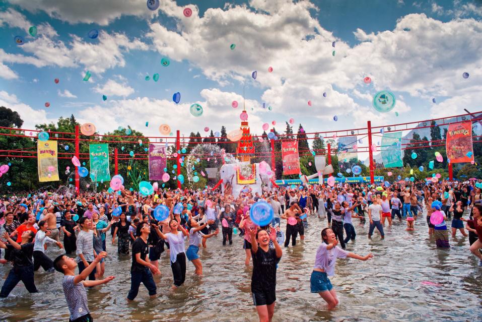 民族村特色节庆活动——泼水节