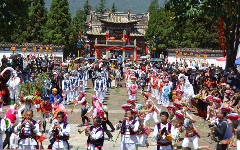 """民族村特色节庆活动——白族""""绕三灵"""