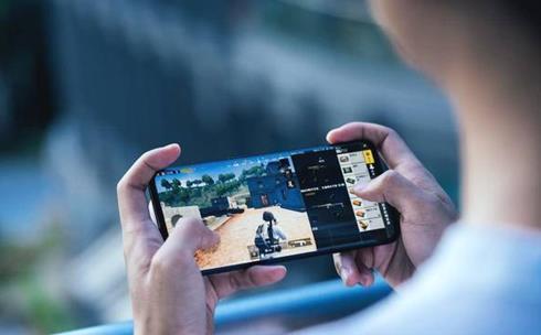 """玩游戏手机都配骁龙""""芯"""" 远离发热卡顿不良体验"""