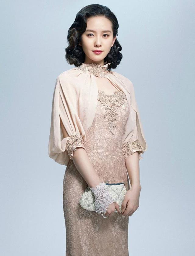 刘诗诗太惊艳了!穿旗袍配卷发韵味尽显,网友:是古典美人没错了
