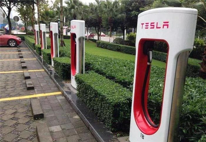 新能源车比燃油车更省钱?不如让数据告诉你答案