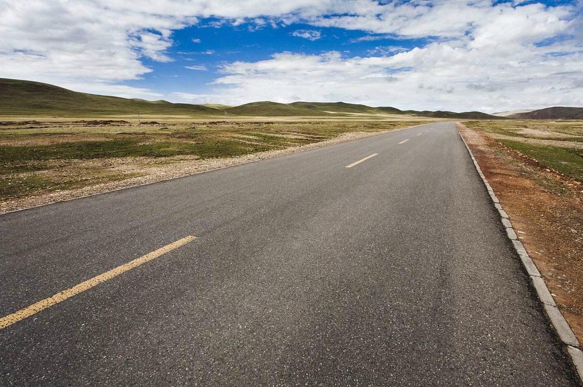 湖南全省已完成自然村通水泥路5012公里