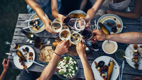 如何让葡萄酒喝出健康 试一下餐酒搭配