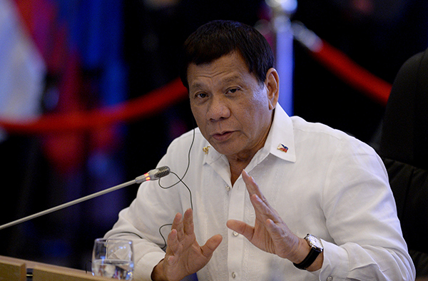 杜特尔特签署身份识别系统法,菲律宾人将告别没身份证