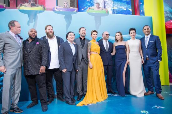 《巨齿鲨》北美首映 观众赞:每一秒都不可错过
