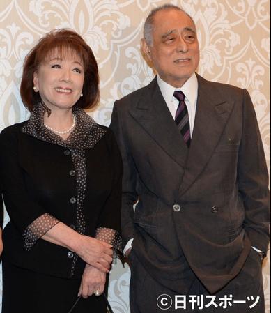 日本演员津川雅彦去世 与安倍是好友