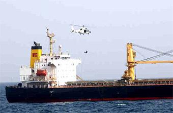 中国海军护航编队利用香港商船演练反劫持技能
