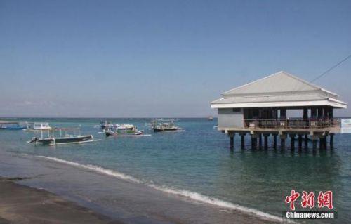 印尼旅游部官员:龙目岛7级地震以来 没有外国游客伤亡