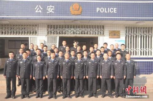 为保护群众挡住40厘米尖刀,仁寿警察王涛、廖弦壮烈牺牲!
