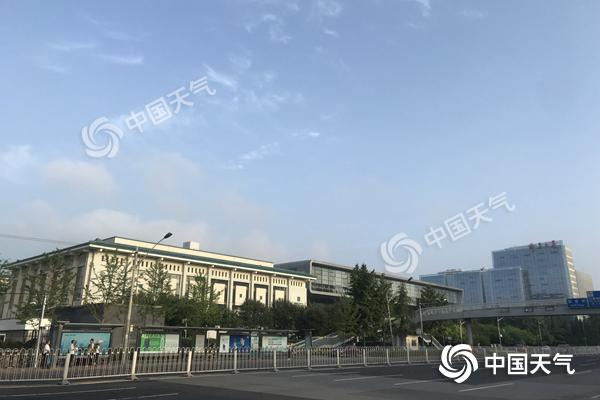 北京立秋后雨水频扰送清凉 真秋天还需再等一个月
