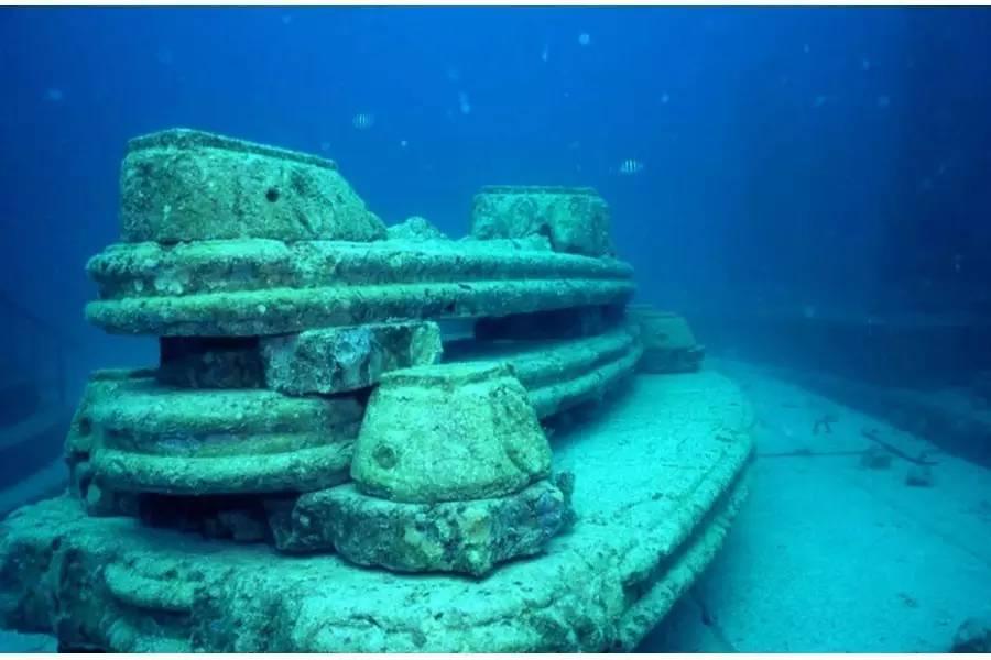 探秘神奇的海底墓穴:身后事也可以这么浪漫!