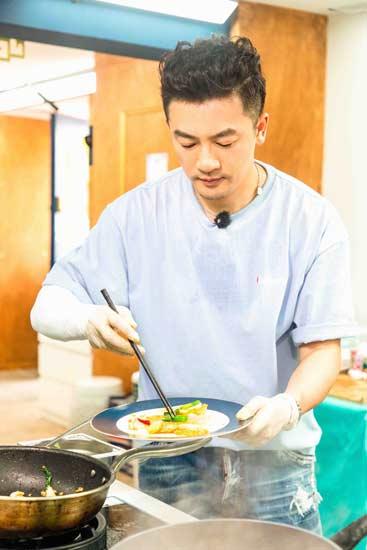 """苏有朋《中餐厅》担任主厨  升级迎接""""皇阿玛"""