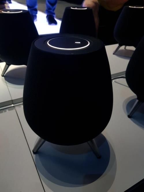 三星展示首款智能音箱GalaxyHome 搭载Bixby语音助手