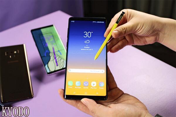 用高端手机对抗苹果 三星发布Galaxy Note9