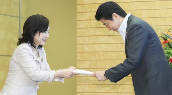 日本人事院建议公务员延迟退休至65岁