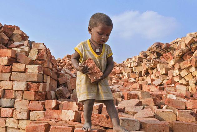 印度童工辛酸生活:工作十几小时报酬仅十元