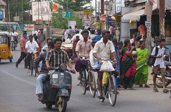 """沃尔玛收购""""印度阿里"""" 但6000万小商贩不乐意了"""