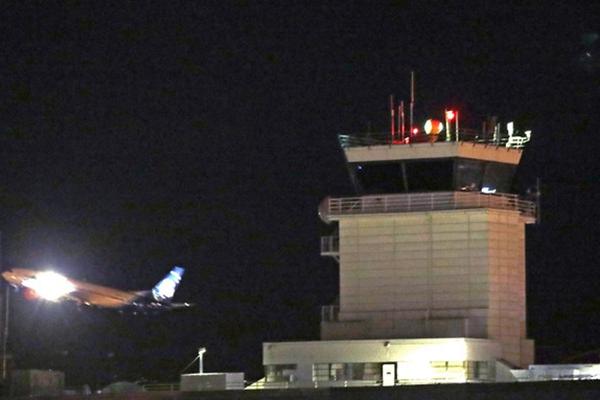 美国一架被盗飞机擅自起飞 美媒:飞机已坠毁 机上无乘客