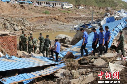 甘肃靖远特大暴雨引发山洪 已致10人遇难2人失踪