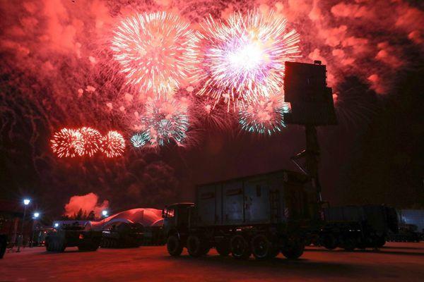 """""""国际军事比赛""""闭幕 莫斯科举行烟火表演庆祝"""