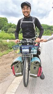大学生23天从武汉骑行到越南