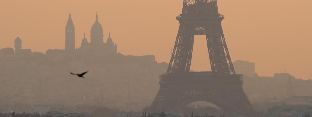 """欧洲空气质量调查:巴黎待一年""""吸入""""183支烟"""