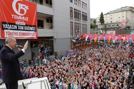 埃尔多安:里拉暴跌是一场针对土耳其的政治阴谋