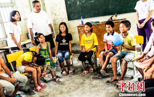 90后女留学生山区支教7年 她的脚步走进了16座村庄