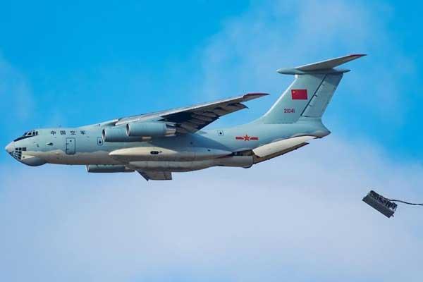 国际军事比赛航空飞镖项目闭幕 中国空军收获两项第一
