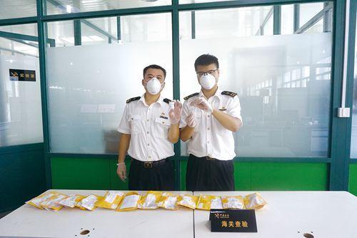 杭州海关在杭州邮路口岸截获来自美国、德国等国家的14批次、约6000粒拟南芥种子