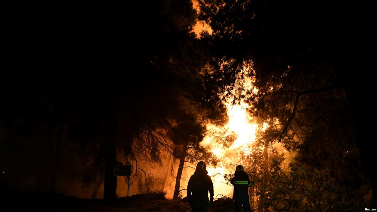 希腊再爆发山火:两个村子民众疏散 暂时未有伤亡报告