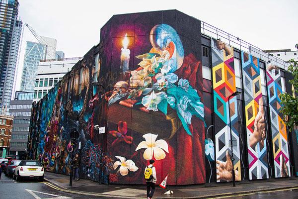 """英国最大涂鸦壁画现身""""伦敦798"""" 大小相当于6个网球场"""