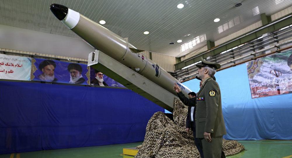 伊朗高调公开新一代弹道导弹 已成功试射(图)
