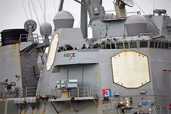 美军驱逐舰抵达苏格兰 锈迹斑斑需要保养