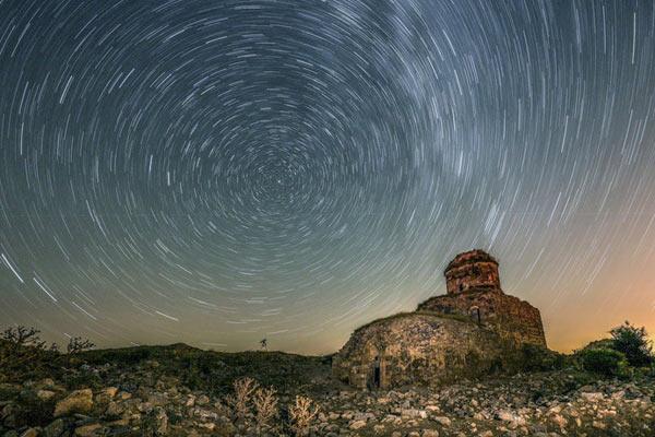 摄影师土耳其拍英仙座流星雨