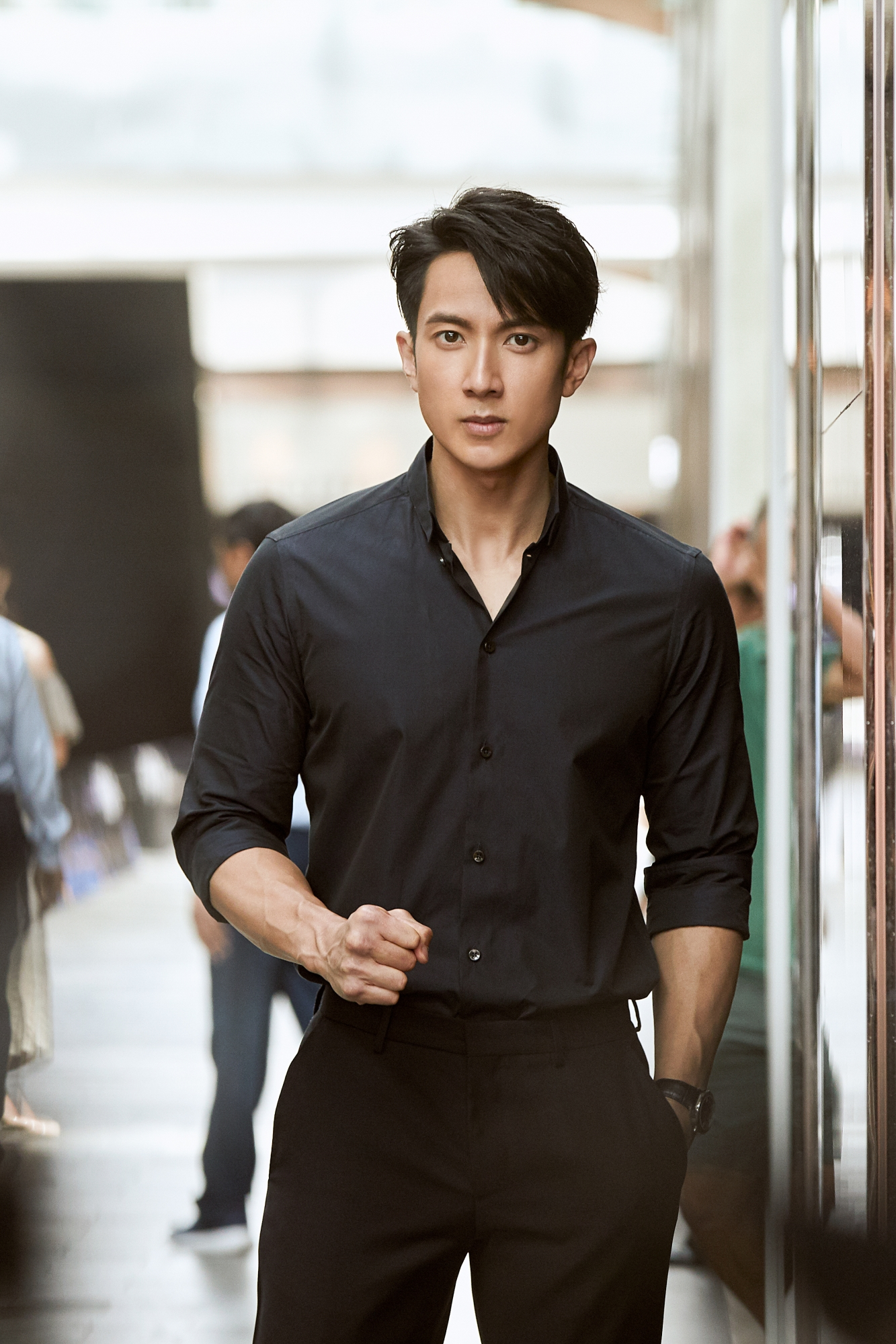 型男吴尊最新写真曝光  完美身材演绎经典黑白色系