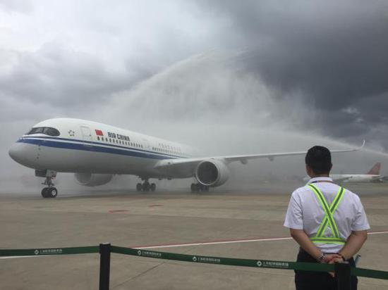 国航首架A350客机完成首航:从北京飞上海虹桥机场