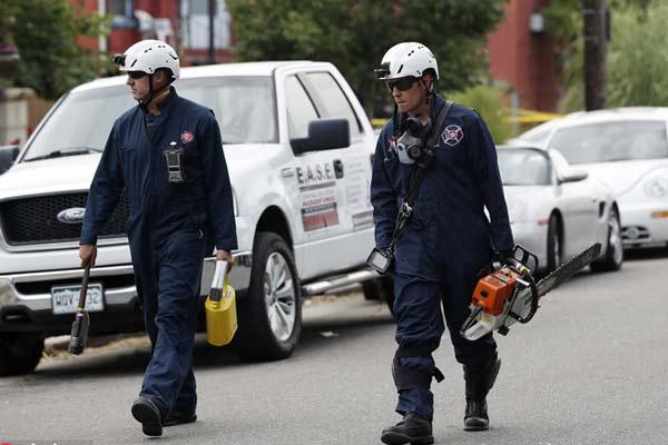 美国丹佛发生天然气爆炸 一公寓楼被夷为平地