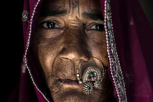 摄影师走访印度部落 记录正在消失的原始文化