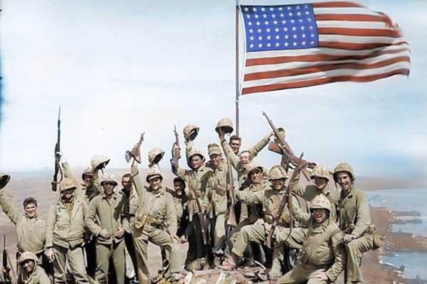 二战胜利73周年 珍贵老照片上色再现美日对战经典时刻