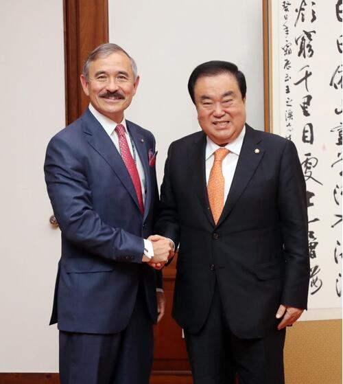 韩国会议长会见美驻韩大使 就加强韩美同盟交换意见