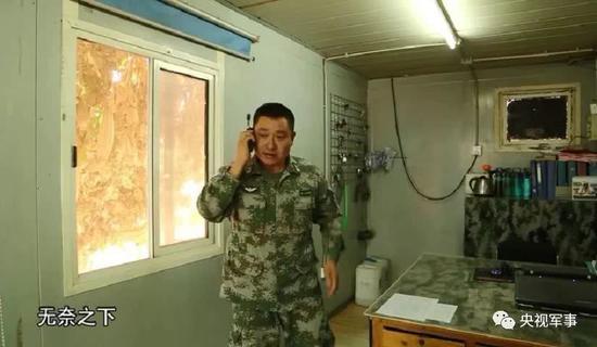 外军数月没修好的车 中国老兵一根烟功夫搞定